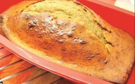 על הגבול בין בצק בחוש לבצק תופין. לחם טחינה נטול גלוטן