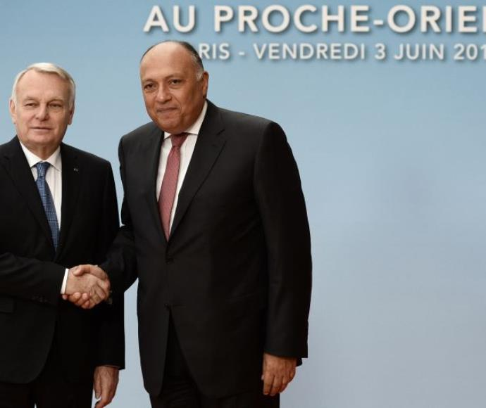 שר החוץ הצרפתי ז'אן- מרק איירו ושר החוץ המצרי בוועידת פריז