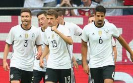 שחקני נבחרת גרמניה חוגגים