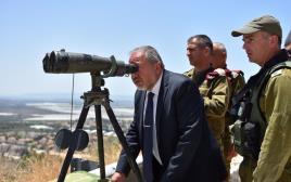 שר הביטחון אביגדור ליברמן בביקור בפיקוד צפון