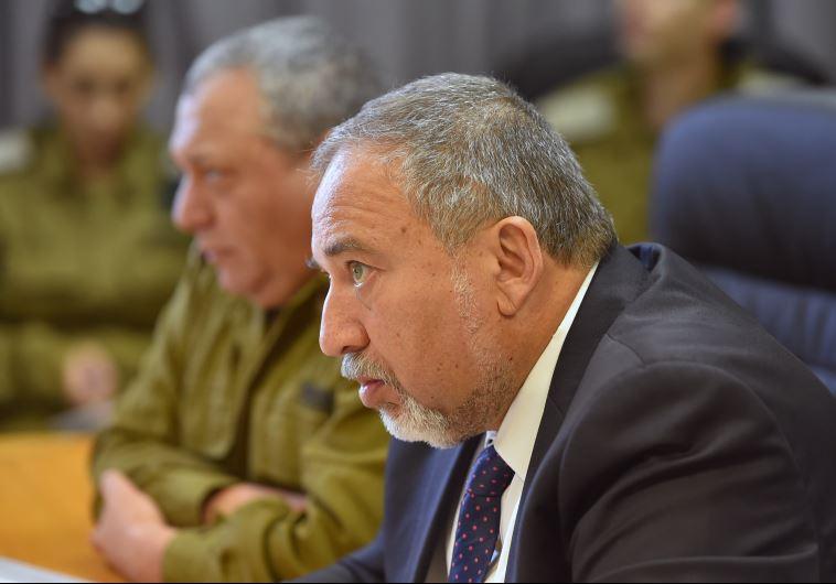 שמע חדשות טובות. אביגדור ליברמן, צילום: אריאל חרמוני, משרד הביטחון
