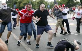 אוהדים רוסים ופולנים מתקוטטים, יורו 2016
