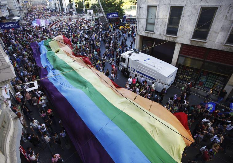 מצעד הגאווה באיסטנבול. צילום: רויטרס