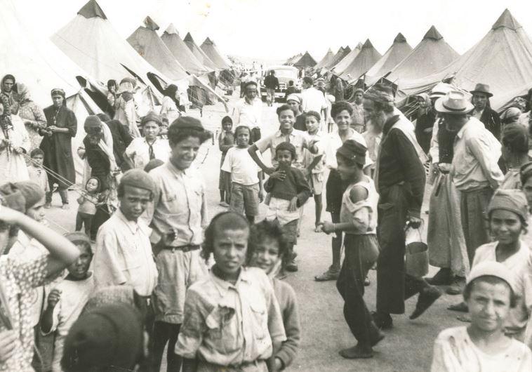 ילדים תימנים במעברות ב-1950. צילום: ה' חיים פין