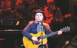 פול סיימון בהופעה