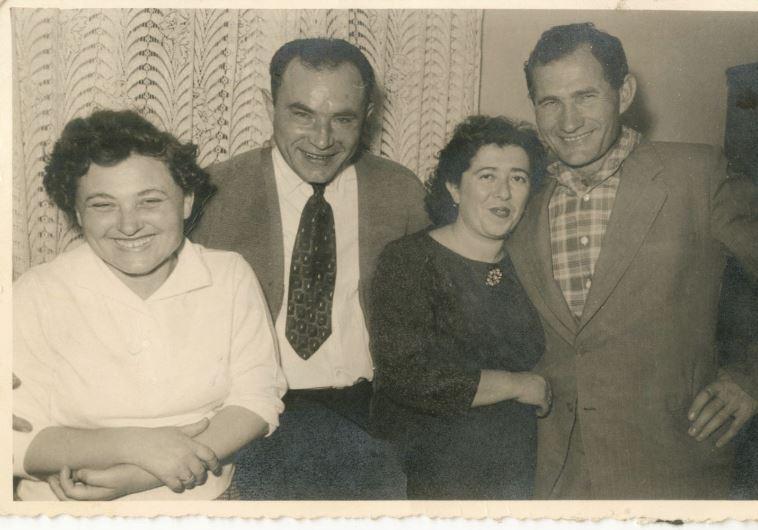 דבורה צ'צ'קס משמאל. צילום: באדיבות המשטרה