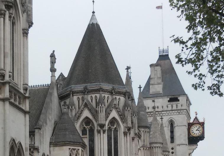 קיץ אנגלי בבית המשפט המלכותי בלונדון. צילום: מאיר בלייך