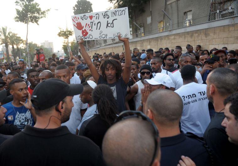 הפגנת יוצאי אתיופיה בתל אביב אחר צהריים. צילום: אבשלום ששוני