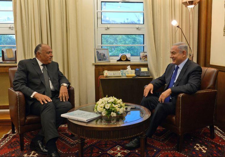 """רה""""מ נתניהו ושר החוץ המצרי סאמח שוקרי. צילום: חיים צח לע""""מ"""