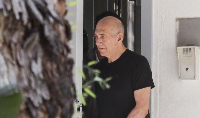 אהוד אולמרט בחופשה מהכלא