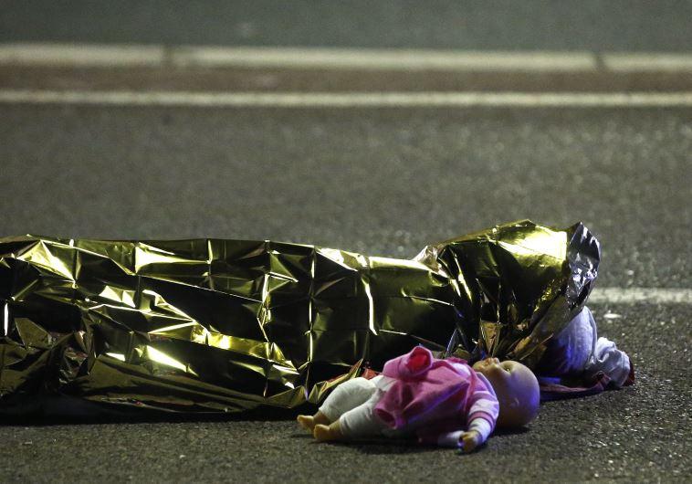 קורבנות המתקפה בניס, צילום: רויטרס