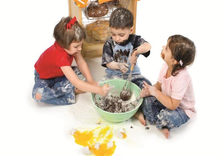 ingimage ASAP :ילדים אוכלים. צילום