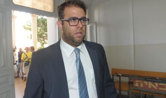 אורן חזן בבית הדין הצבאי בו מעיד אלאור אזריה