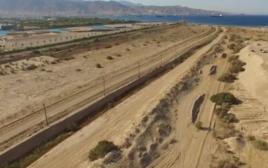 """""""הגדר המזרחית"""" הנבנית בגבול ירדן"""