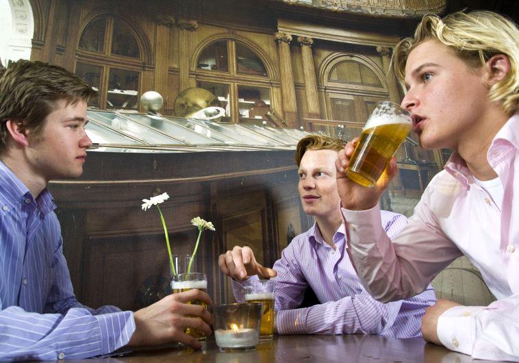 יציאה גברים בירה