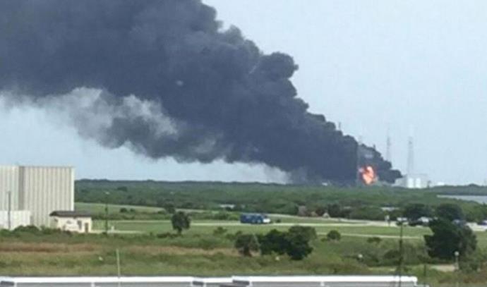 רגע הפיצוץ במרכז החלל בפלורידה