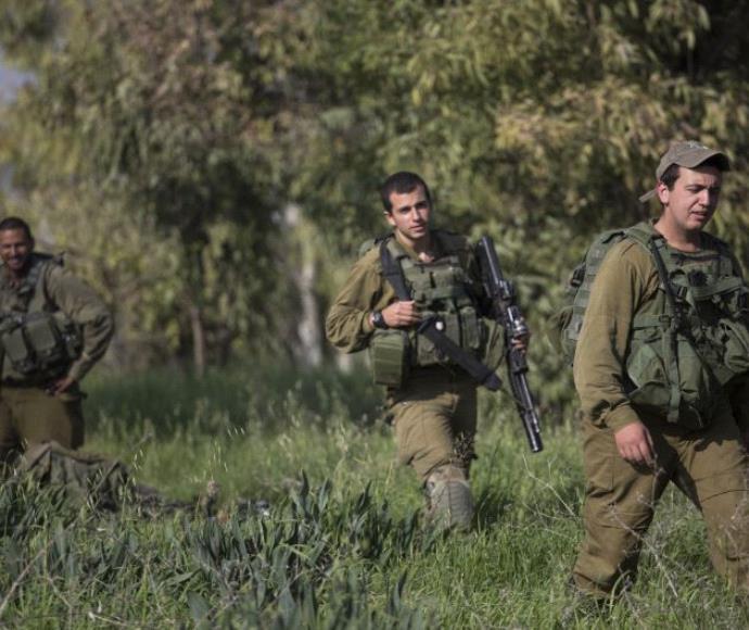 """חיילי צה""""ל בסמוך לגבול רצועת עזה"""