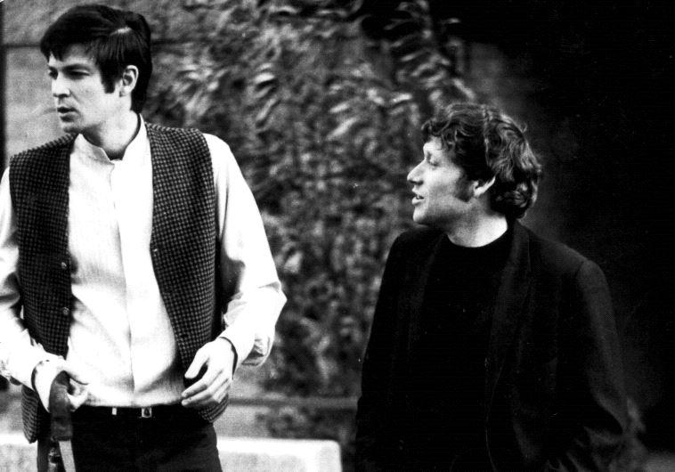 """אריק איינשטיין וצבי שיסל. """"קינאתי בקרבה שלו לאריק"""". צילום: ארכיון פרטי"""