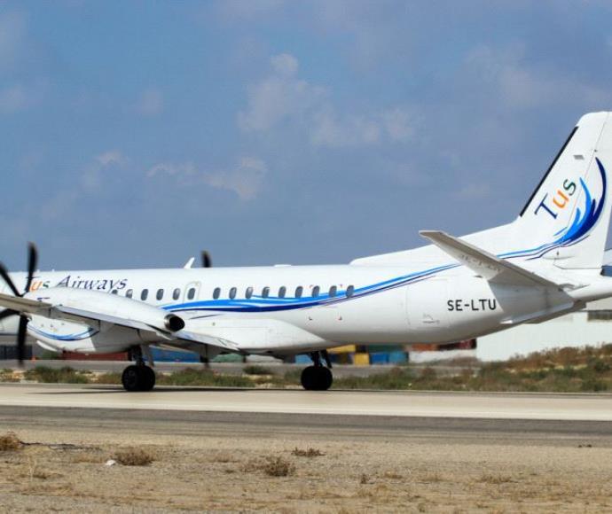 מטוס של חברת TUS AIRWAYS