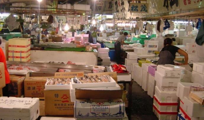 שוק הדגים צוקיג'י בטוקיו