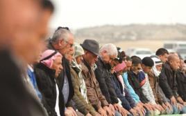 תפילה לזכרו של יעקוב אל-קיעאן באום אל-חיראן