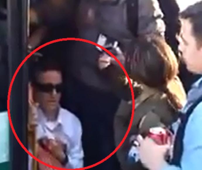 נהג האוטובוס מסרב להעלות ילד עם תסמונת דאון