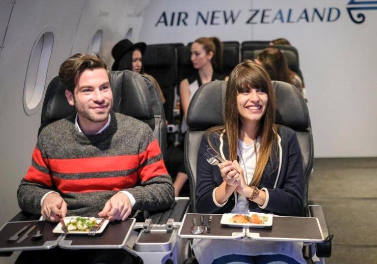 מסעדה חדשה מגישה אוכל מטוסים