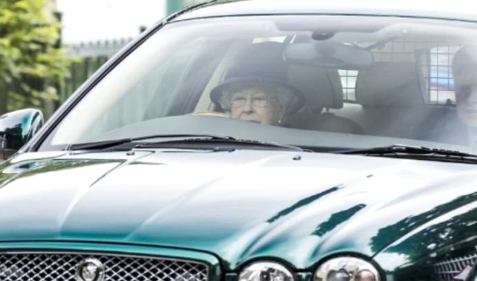 המלכה עלתה על הכביש ואנשים לא עומדים בזה.