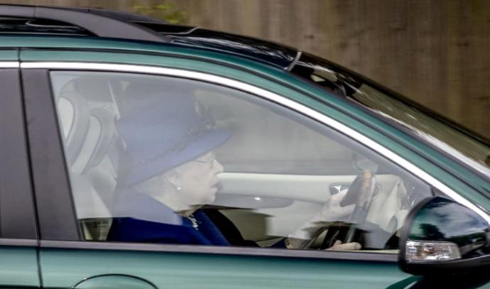 יש לה נהג פרטי, אבל לפעמים מתחשק לה לשבת מאחורי ההגה