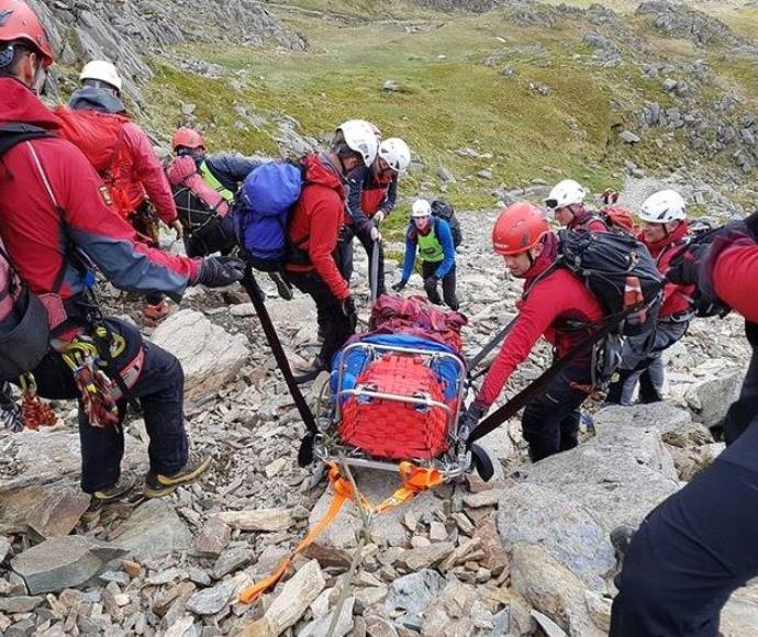 האב מת לאחר שנפל מאחד ההרים בפארק  הלאומי סנודוניה