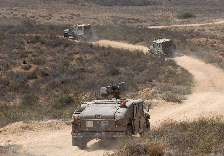 """האמרים של צה""""ל. בצבא הגבירו כוננות. צילום: פלאש 90"""