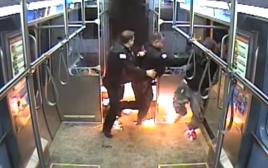 אש ברכבת בשיקגו