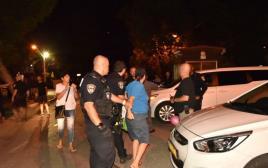 מעצר מפגינה בהפגנת הורים לילדים אלרגיים